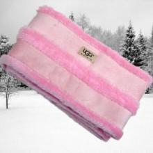 本厂订做供应皮毛一体纯真皮毛一体羊皮实用美观超保暖手套帽子围巾