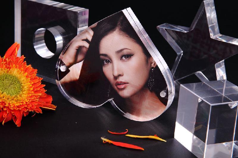 亚克力相框图片|亚克力相框样板图|透明心形磁铁相框