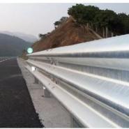 供应山东波形梁护栏板产生厂家/热镀锌护栏板,波形梁护栏板