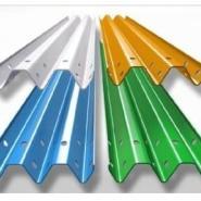 供应三波波形护栏板产生厂家三波波形护栏板【喷塑】