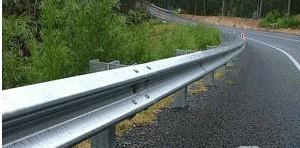 高速护栏板图片/高速护栏板样板图 (1)