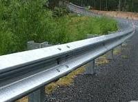 供应聊城高速护栏板生产厂家哪家好