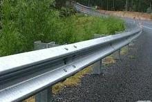 供应河南郑州热镀锌护栏板产生厂家报价批发