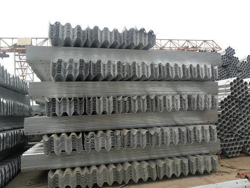 供应高速护栏,山东波形梁护栏批发厂家,波形梁护栏价格