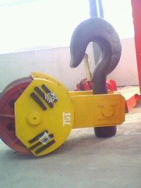 供应用于矿山 石材 冶炼的乌兰察布双梁天车配件减速机电机行车轮内外齿吊钩组高经理-15848043789