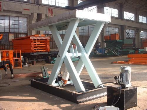 供应导轨式升降机 供应液压式升降机 供应移动式升降机 供应江西固定图片