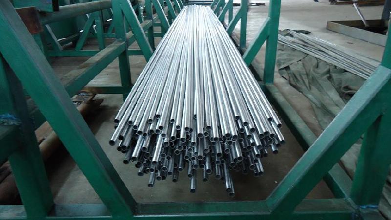 供应45号高精密液压无缝钢管价格规格表图片