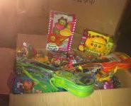 称斤玩具论车卖库存玩具图片