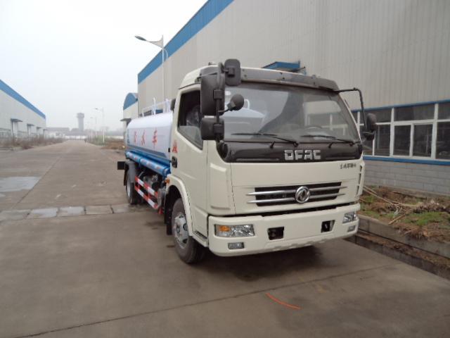 供应国四东风8吨洒水车中型喷洒车图片