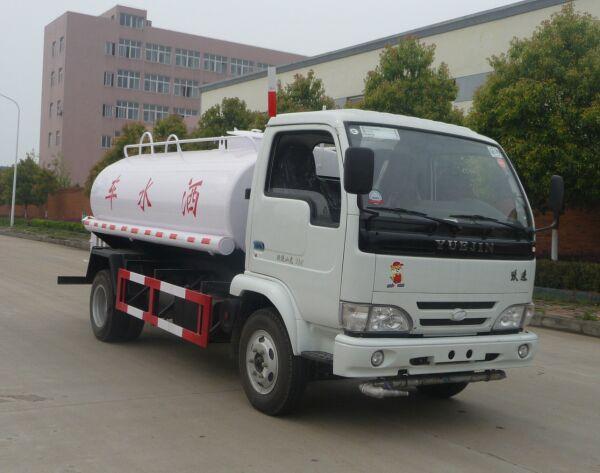供应国四东风145大型10吨洒水车图片