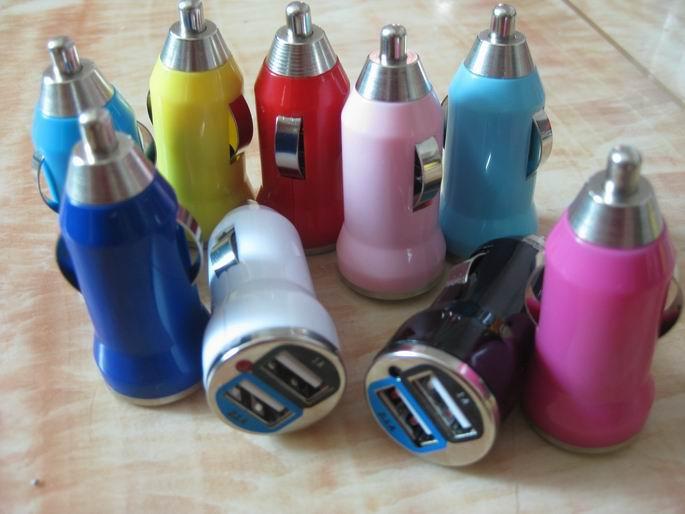 子弹头双USB车充 车载点烟器 足5V3A.1A车载充电器厂家