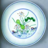广东广州古董鉴定乾隆豆青釉盘图片