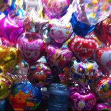 供应郑州氢气机氢气球批发卡通铝膜气球定做广告气球气球之家专业氢气球批批发