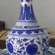 青花陶瓷酒瓶图片