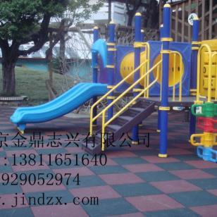 幼儿园室外保护橡胶地垫图片