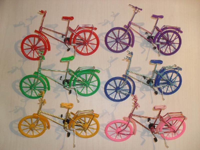 光盘铁丝自行车 手工铁丝光盘自行车 铁丝自行车制作图解-铁丝自行车