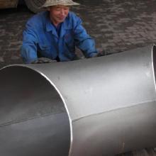 应新疆管件不锈钢弯头厂家直销\不锈钢管件报价\不锈钢价格