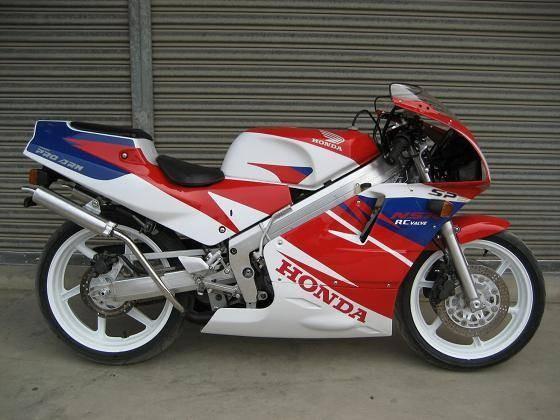 摩托车大跑车店_供应雅马哈tzr250摩托车跑车