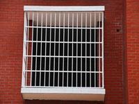 供应北京铁艺围栏、护栏、高层阁楼、楼梯制作安装批发