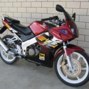 供应本田CBR150R摩托车二手本田摩托车 跑车
