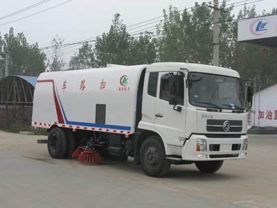 扫路车的轮胎气压过低,会导致轮胎与地面接触的面积增加,扫高清图片