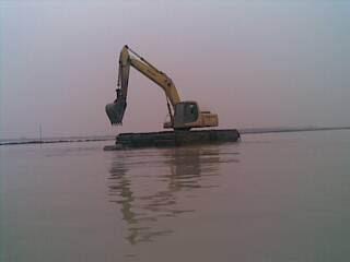 宏宇两用挖掘机机械有限公司