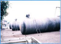 供应现场可制作油罐水泥罐等金属容器。