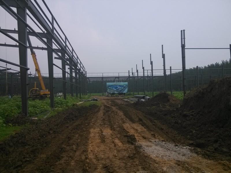 供应标准钢构厂房,非标厂房,网架厂房,钢构配件。