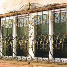 供应和田地区铁艺防护窗