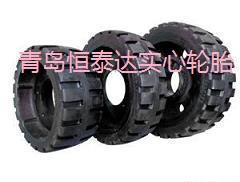 航空地面铁芯轮胎图片
