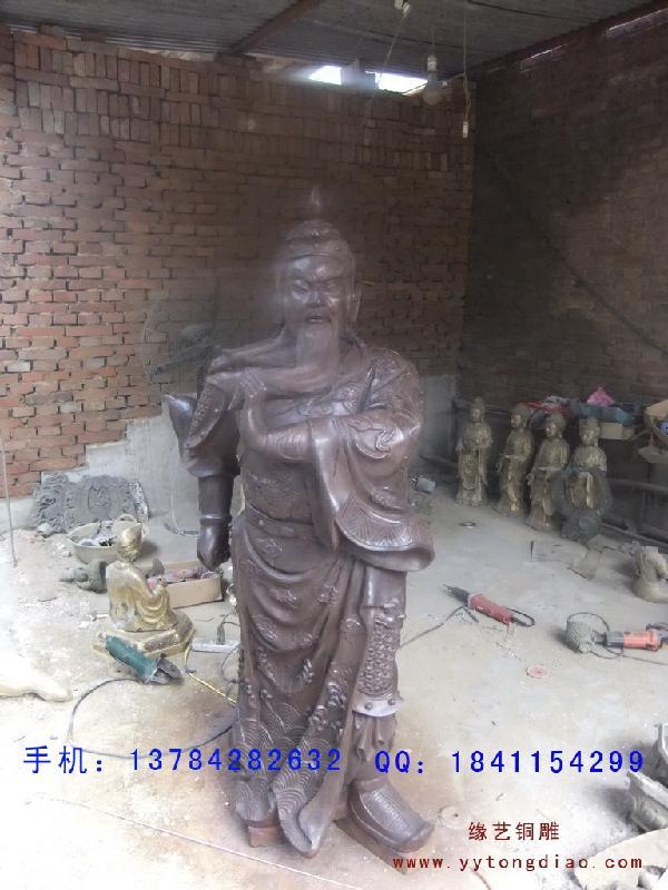 横刀关公大型铜雕工艺品制作图片
