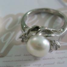 广州时尚珠宝配饰镶嵌淡水珍珠戒指批发零售