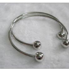 流行饰品珠球款手镯全网低价流行饰品珠球款手镯批发