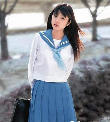 中学生校服图片图片