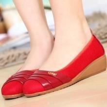 供应便宜时尚女鞋批发,低价处理,现货180双批发