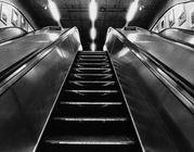供应江苏电梯回收拆除二手扶梯客梯等图片