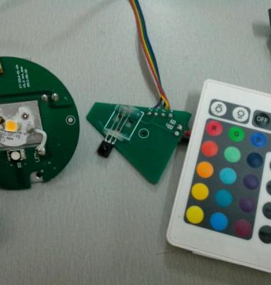 LED遥控七彩灯IC图片/LED遥控七彩灯IC样板图 (2)