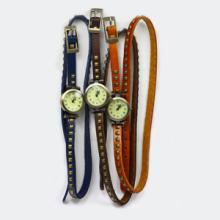 供应韩版热卖柳钉皮带朋克风复古时装表
