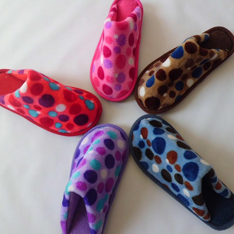 供应法兰绒圆点时尚花朵家居棉拖鞋