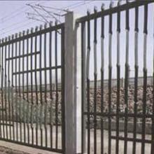 供应铁路防护围栏,铁艺栅栏,扁铁围栏只此一家生产,价低质优