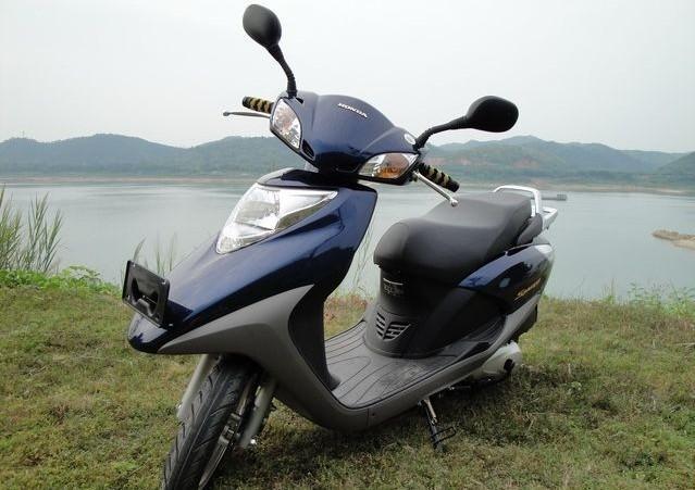 本田新优悦110 广州五羊本田踏板摩托车最新款价格 五羊本田高清图片