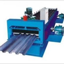 供应最新彩钢设备大型汽车厢板机