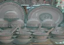 供应景德镇传统青花玲珑套装陶瓷餐具