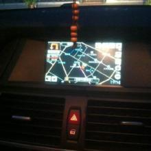 供应西安宝马X5加装原车屏导航倒车影像DVD