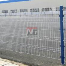 供应浦东机场围网桃型柱围栏网