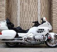 本田金翼GL1800摩托车图片