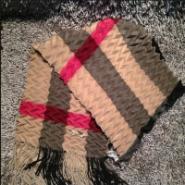 LV巴宝莉普拉达等奢侈品丝巾货源图片