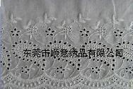 供应纺织辅料 镂空蕾丝花边 纯棉线刺绣花边布 绣花条码 电脑刺绣花边图片