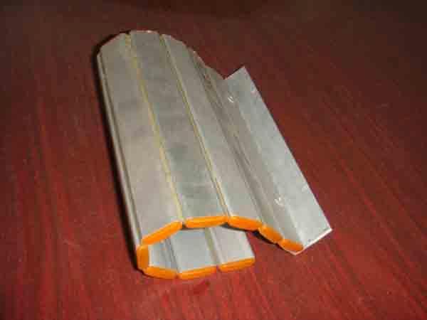供应数控机床防护铝帘