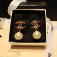 Chanel双C耳环图片